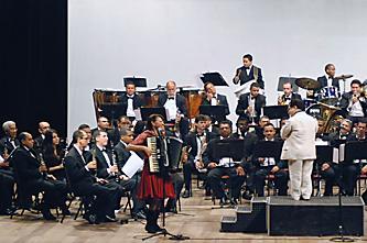 Terezinha do Acordeon com a Banda Sinfônica do Recife